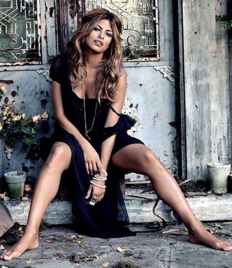 Eva Mendes Vogue'a soyundu - 74